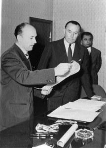 Firma dell'atto di cessione del campo