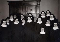 Suor Maria Paola Bernardi il giorno della sua Consacrazione Monastica 10-2-1968 insieme alle Monache del Monastero delle Benedettine di Potenza Picena. Foto di Bruno Grandinetti.